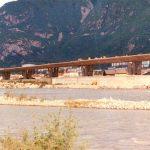 Lungo il fiume - Il ponte sopraelevato a la riva dell'isarco