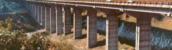 Viadotto ultimato - Tratto finale dell'autostrada nella tratta tra Colle Isarco e Brennero